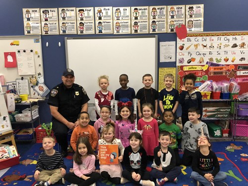 Brooklyn Police Chief Scott Mielke with Kindergarten Students